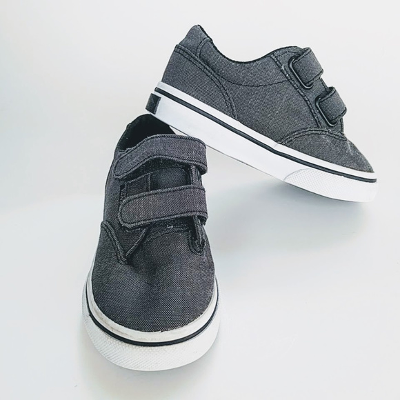 785c11ca54 VANS Off the Wall Gray Canvas Toddler Sneakers 6. M 5cba16bbd948a1060e893594